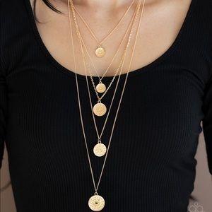 Medallion Marvel gold necklace
